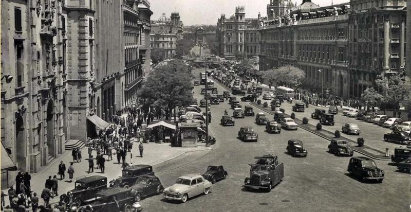 Calle Alcalá con Avenida José Antonio (Gran vía). Madrid. 1963. Foto fuenerrebollo.com